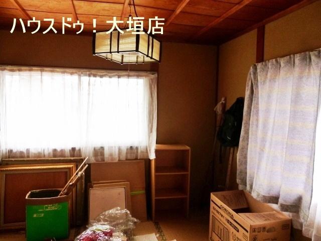 収納が備わった和室。