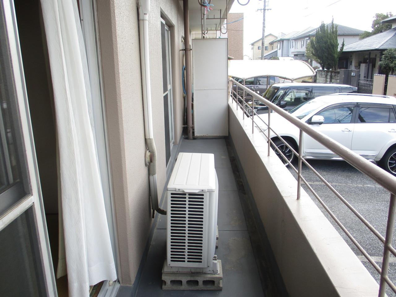 バルコニーのあるお部屋になっている為、洗濯物も干しやすいです。