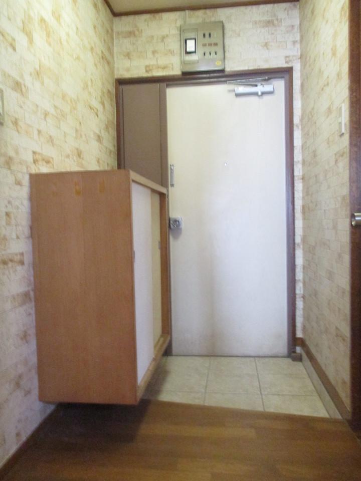 壁紙がおしゃれな玄関です。