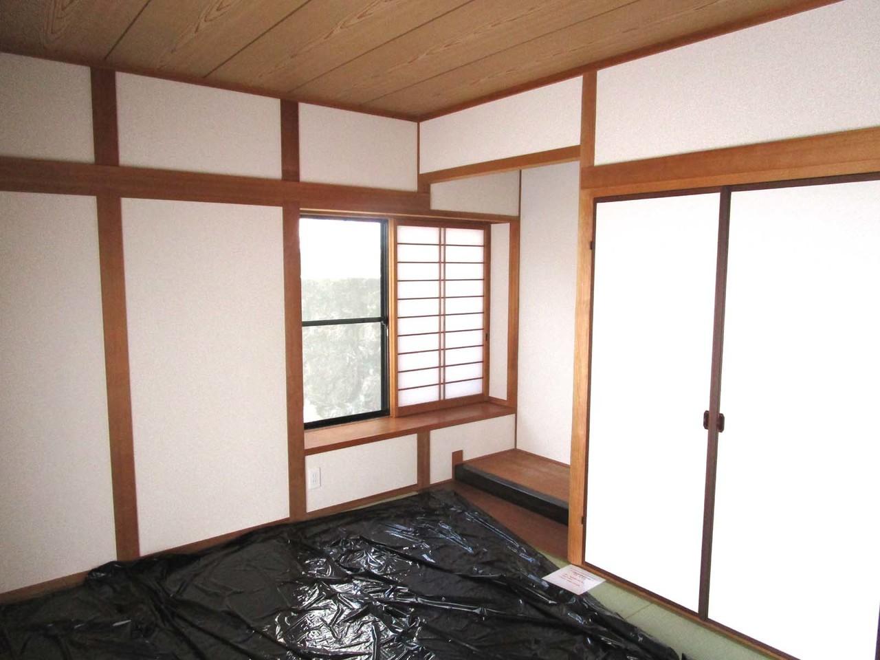 1階和室です。畳が新品で気持ち良いです♪