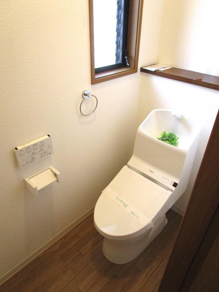 トイレは1階2階ともに新品♪