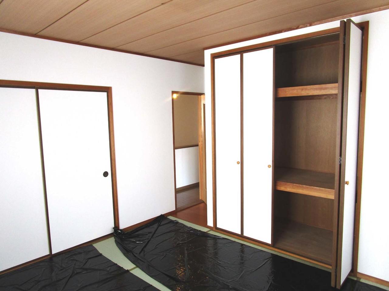 2階和室。押入れもあるので、布団がたくさん収納出来ます。