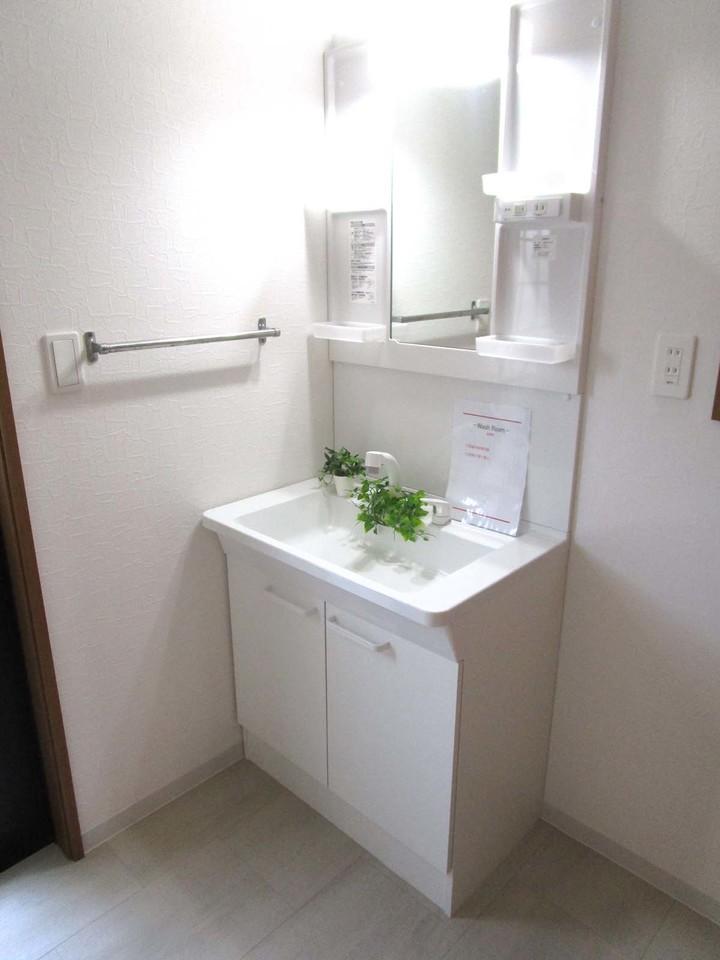 洗面台は新品に交換済み!