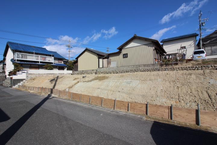 ヤマナカ青海町店まで徒歩7分(約500m)