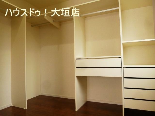 造り付け収納は空間を有効活用。