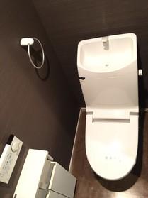 トイレ新調済みです  清潔感あふれる  落ち着く空間です