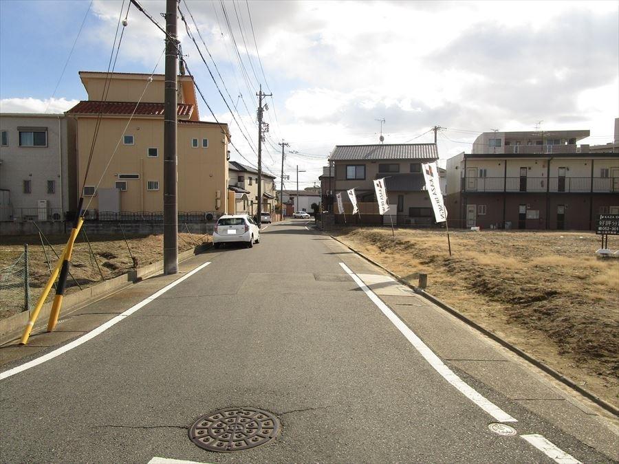 東側公道約6.5m