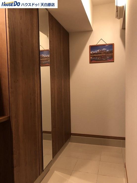 玄関がとにかく広くて収納スペースも多いので、いつでもすっきりとした玄関をキープできます。