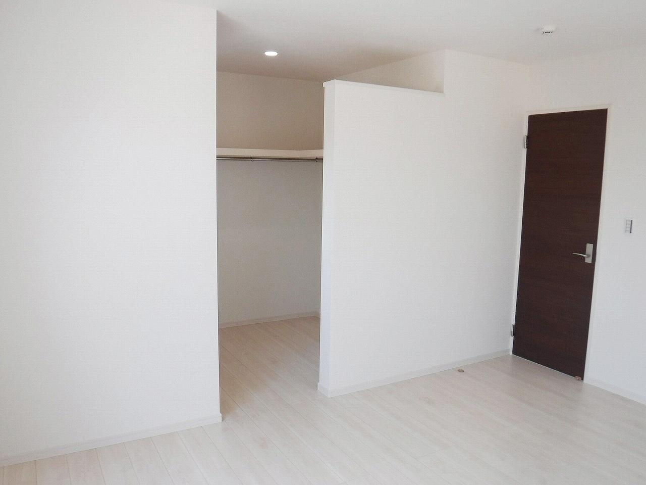 WIC付♪お部屋もすっきり片付けられます(^^) 施工事例。実際のものと異なります。