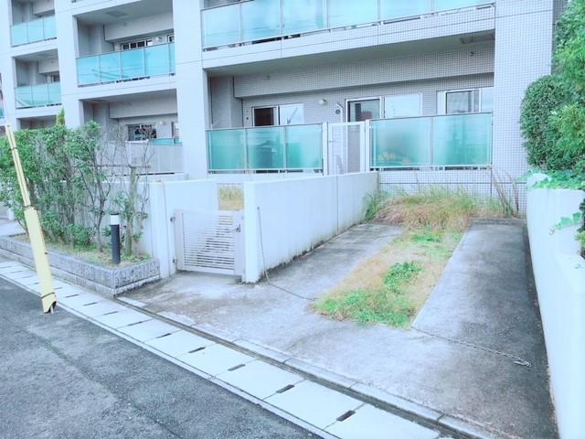 専用駐車場:6000円/月