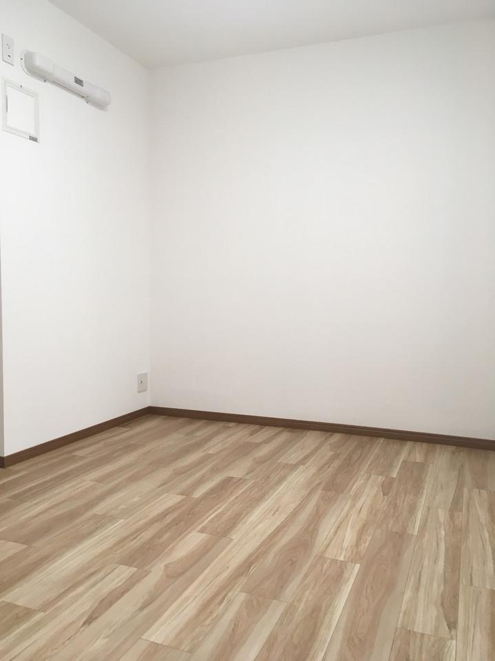中部屋6帖洋室 30.2.24 16時頃撮影 天候:くもり