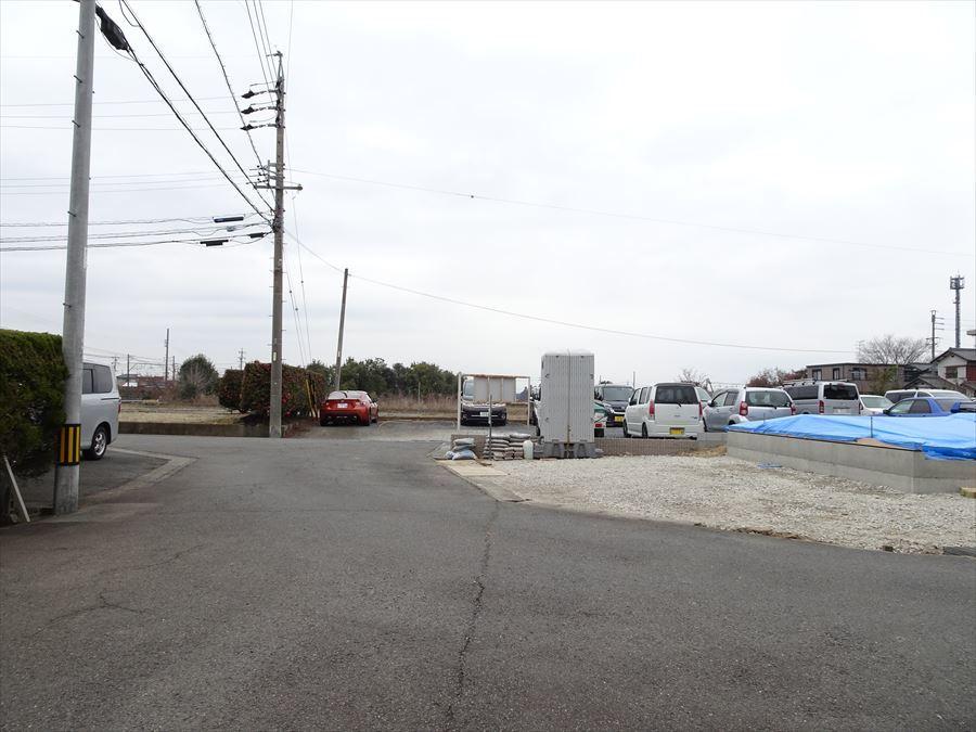 西側前面道路幅約5.5mです。 (2018.3.4撮影)