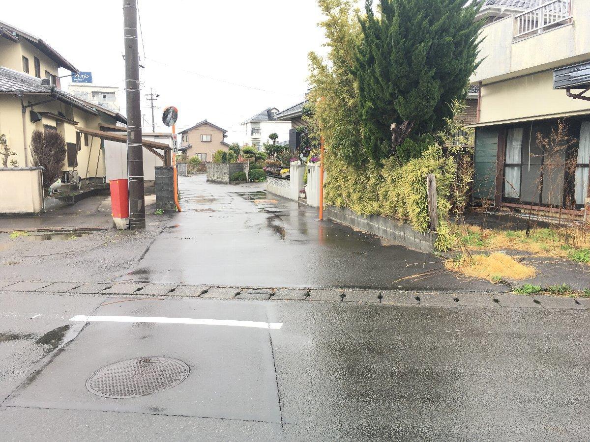 南側接道 道路幅3.7メートル(セットバック不要)