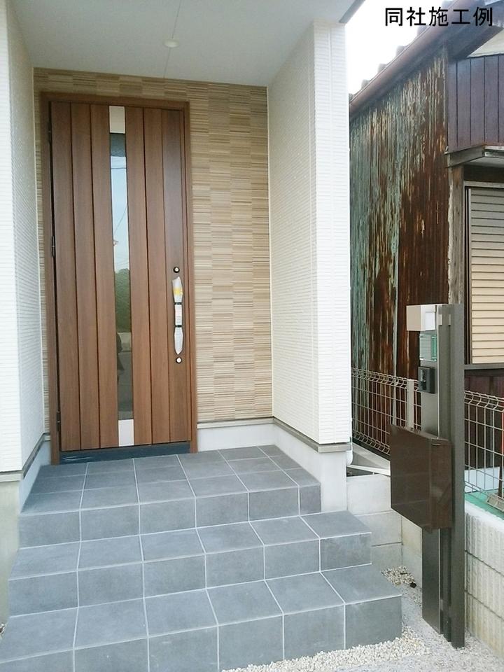 玄関ドアは優れた断熱性能で防犯性の高いディンプルキータイプの玄関です