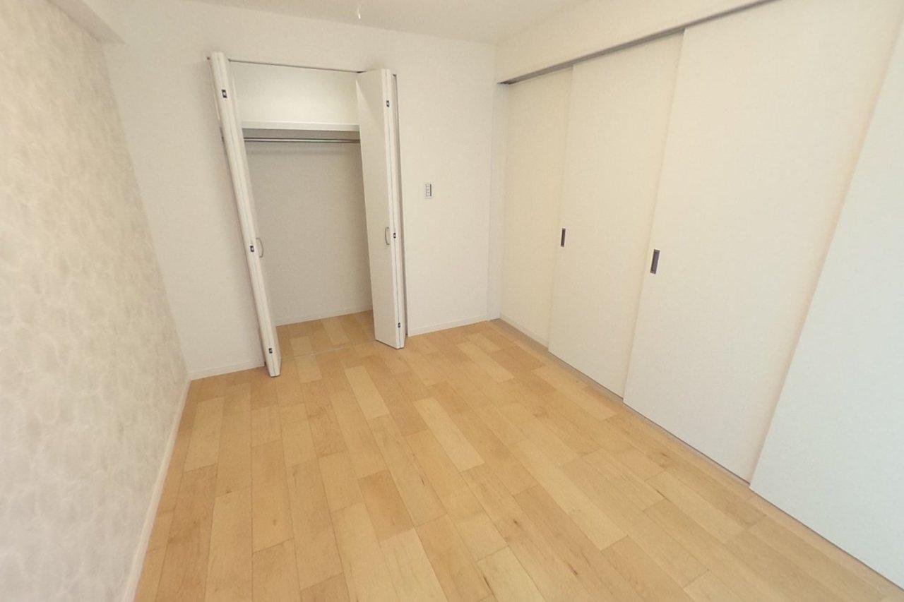 ◇5.8帖洋室部分 間仕切りを閉めれば一つのお部屋としてお使いいただけます。状況に応じて使い分けが出来ます。
