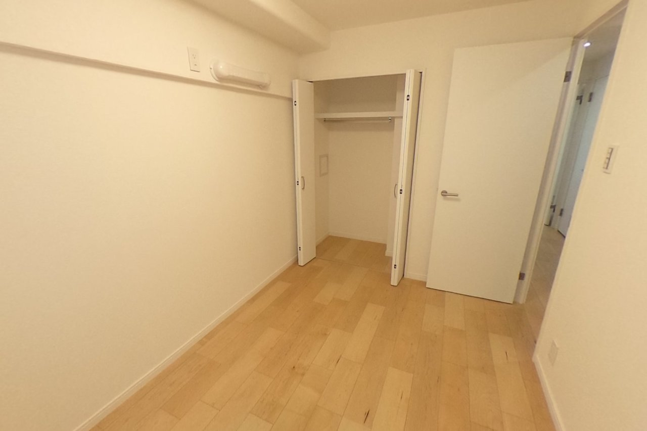 ◇5.0帖洋室部分 クローゼットのあるお部屋で、主寝室としてもおすすめです。