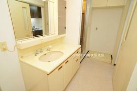 洗面室も広々しています♪  中古住宅購入+リフォーム費用もまとめてお見積り! 当社リフォーム事業部がお客様のご希望の素敵なお部屋を作ります!