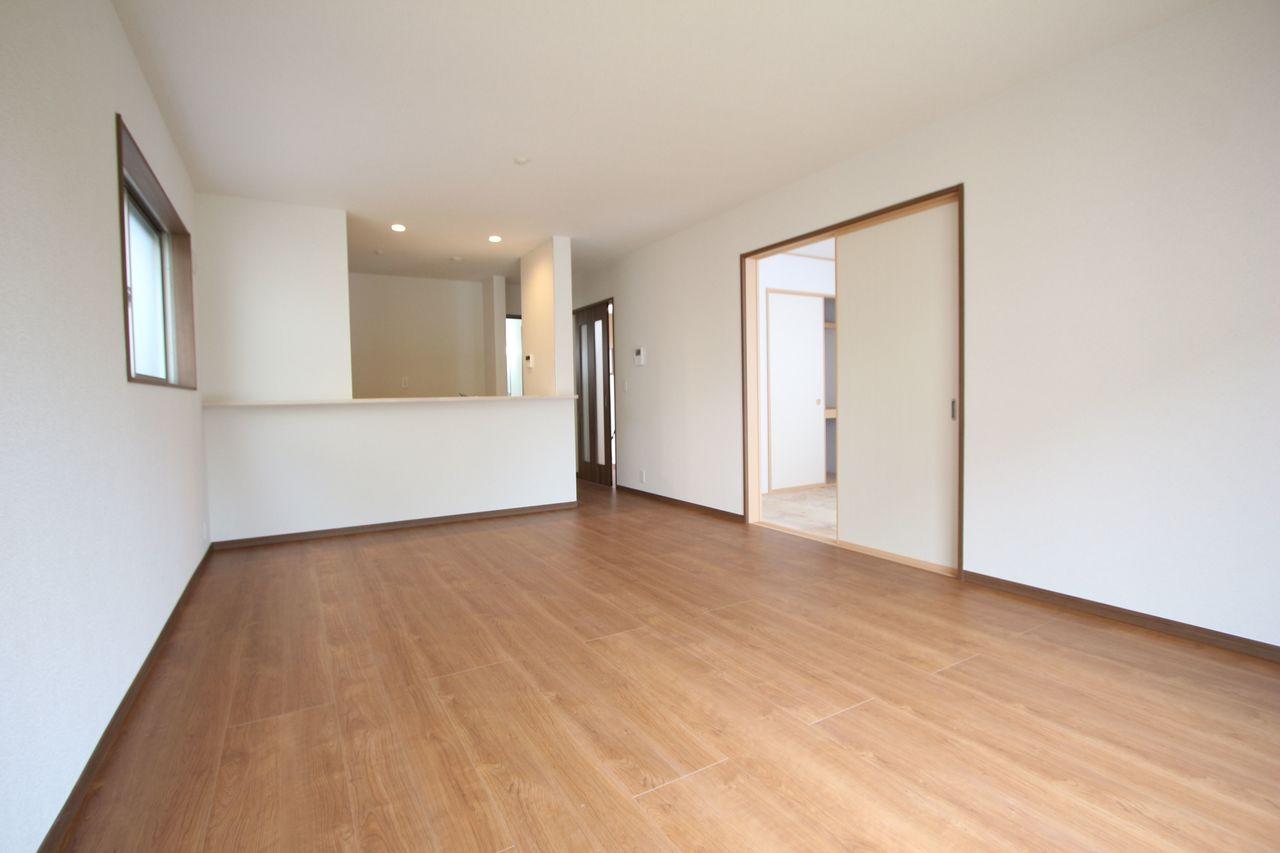 土地面積45.83坪の広々とした敷地。 月々6万円台のお支払いで購入可能な物件です。 ローンのご相談もお気軽にどうぞ。 (2018年3月中旬撮影)