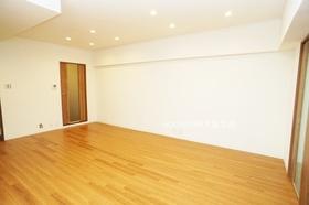 広々しており家具の配置も自由自在です♪  月々3万円台からのお支払いも可能! 現在の家賃と比べてみて下さい♪
