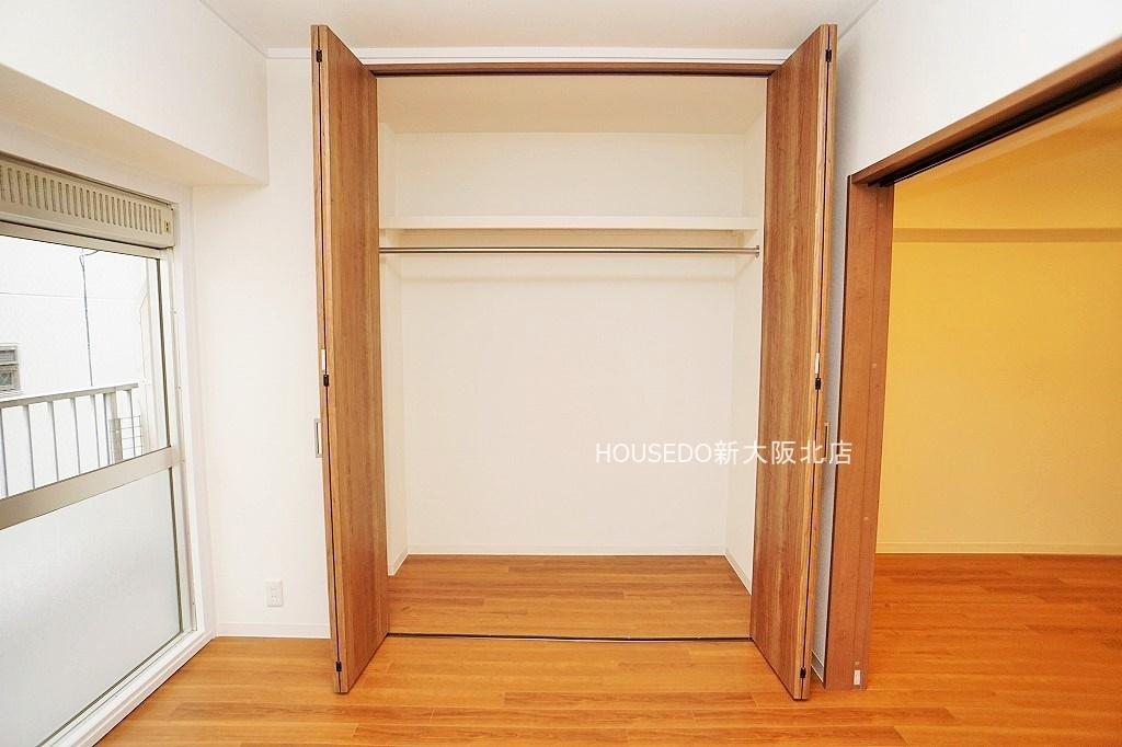 たっぷり収納できる大型クローゼットを完備! いつもお部屋をスッキリ保てますね♪  月々3万円台からのお支払いも可能! 現在の家賃と比べてみて下さい♪