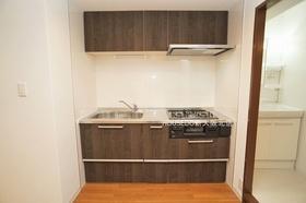 収納スペース豊富なシステムキッチン♪  月々3万円台からのお支払いも可能! 現在の家賃と比べてみて下さい♪
