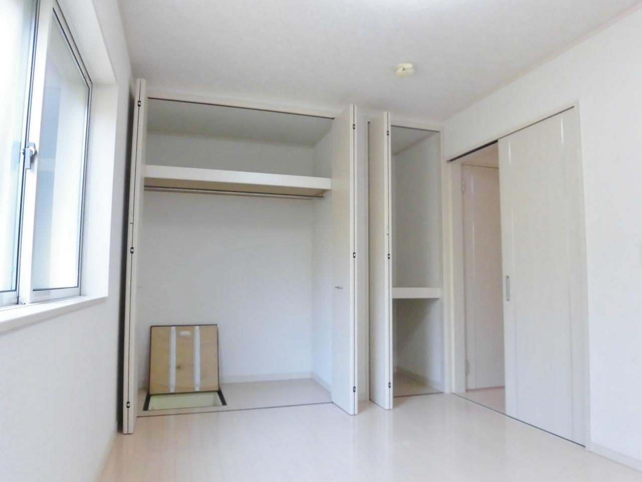 1階洋室です。クローゼットが2ヶ所あり収納豊富です。