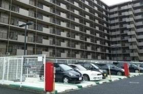 駐車場空きあります  駐車場月額7000円から12000円です