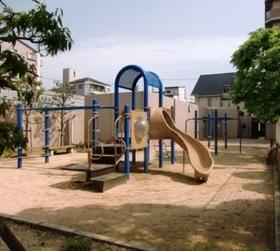 敷地内には公園がございます  お子様もたっぷりと遊べますね  天気のいい日は日向ぼっこなどいかがですか