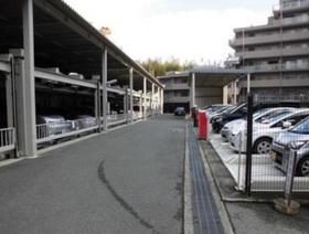 駐車場は月額12000円から15000円です  現在空き有ですよ