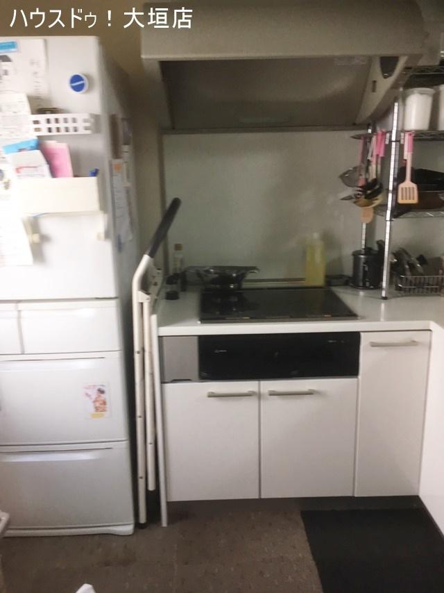 使い勝手のよいL字型キッチンで毎日のお料理も楽しくなります。。