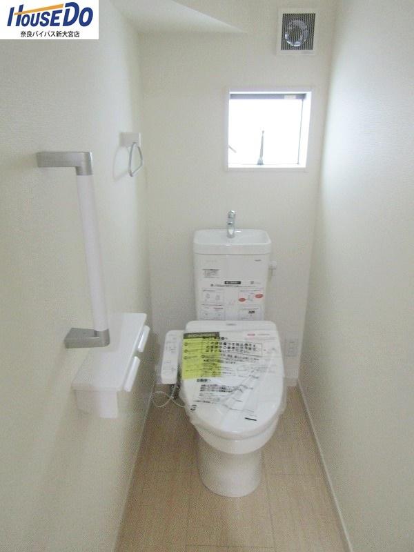 同社施工例 1階・2階ともにウォシュレット機能付きです。