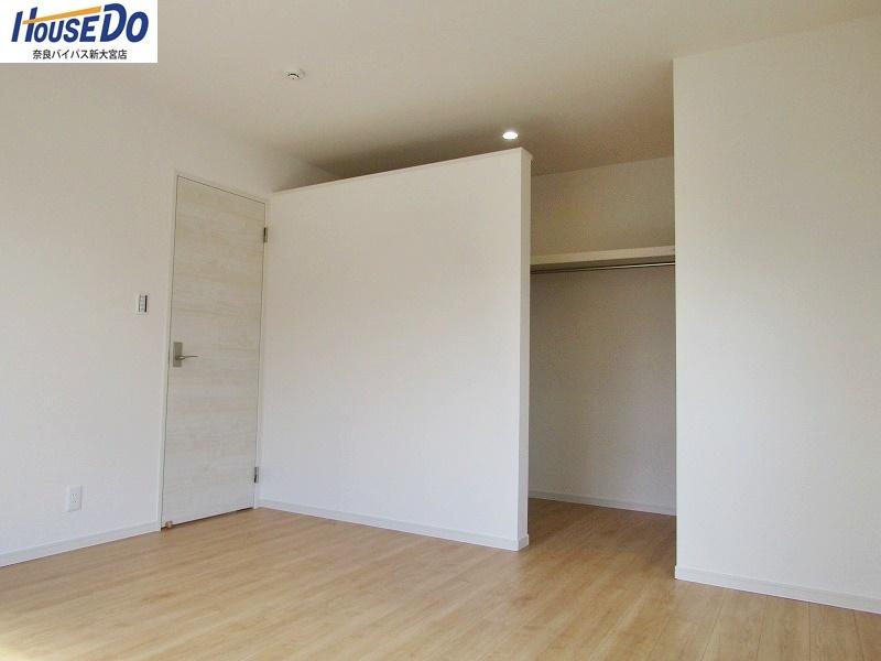 同社施工例 お部屋はすべて6帖以上。収納スペースもあり、お部屋を広くお使いいただけます。