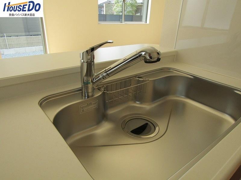 同社施工例 キッチン水栓には浄水機能が付いています。