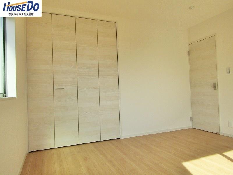 同社施工例 洋室はすべて6帖以上。収納スペースもあり、お部屋を広くお使いいただけます。