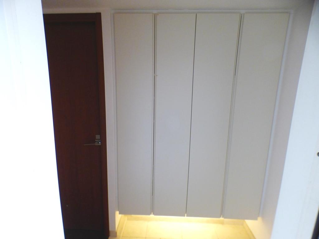◎玄関(3/26撮影) すっきりきれいに収納できそうなシューズボックス付です。