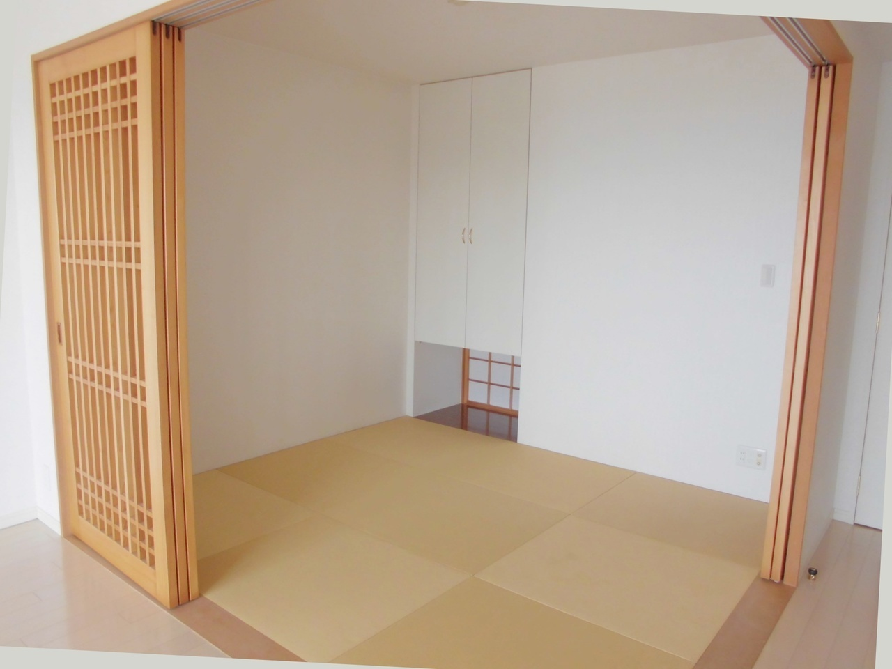 ゆったりと寛げる落ち着いた雰囲気の和室です。