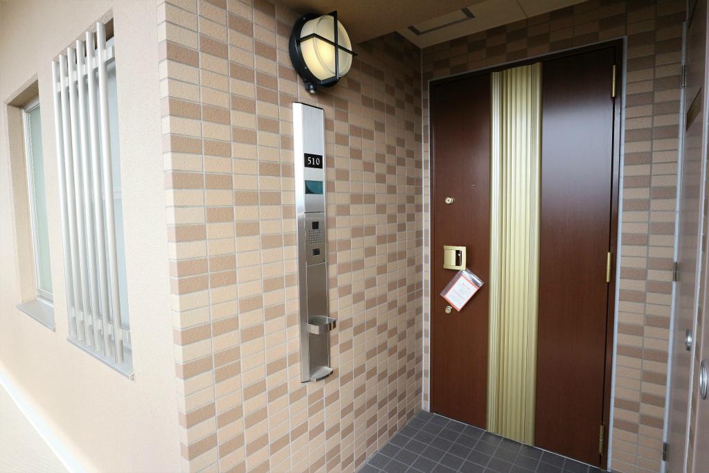 お部屋があるのは5階部分。人気の角部屋です!