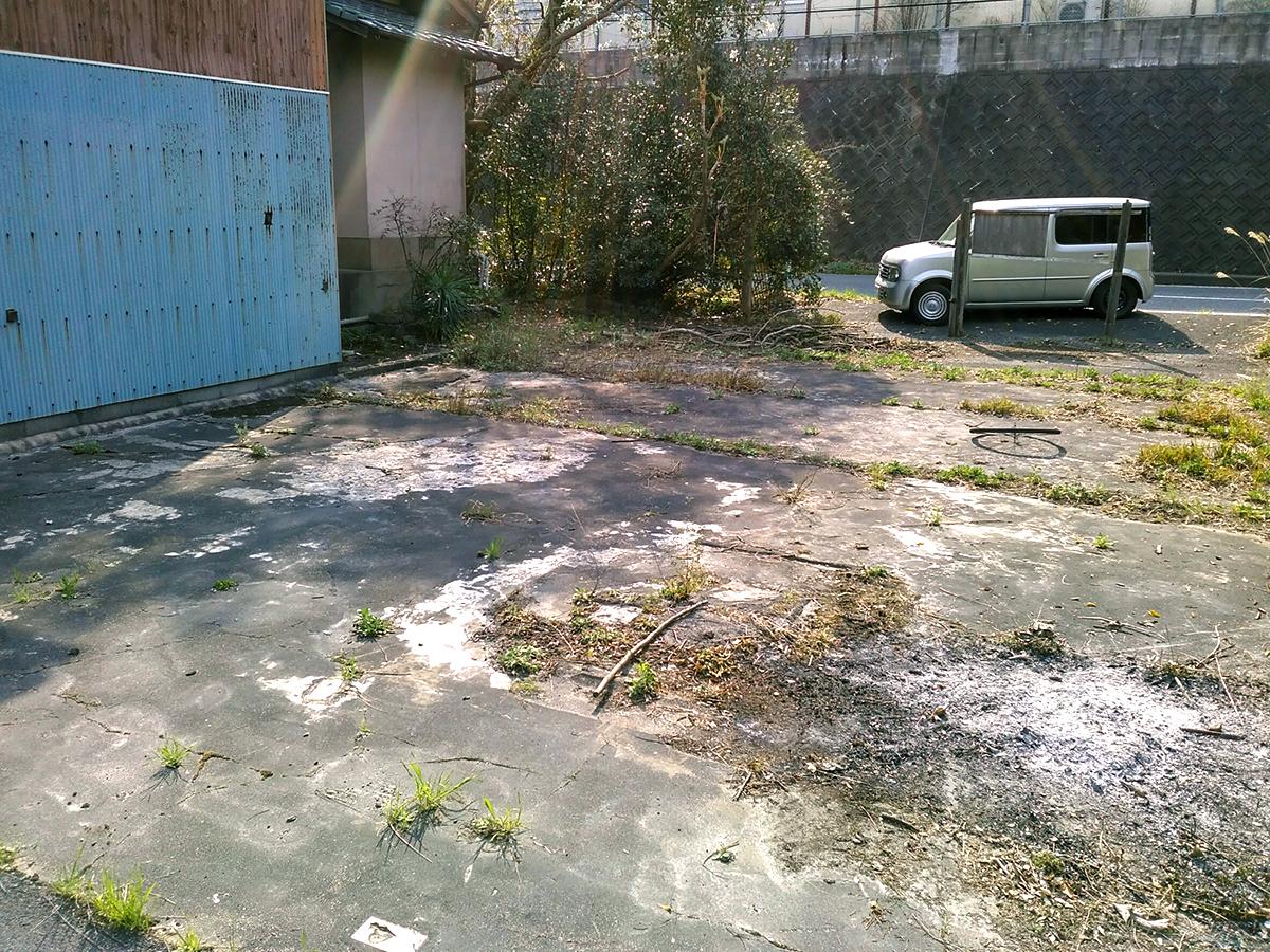◆小倉南区大字高津尾 売地 建物北側の駐車スペース複数台駐車可能です♪