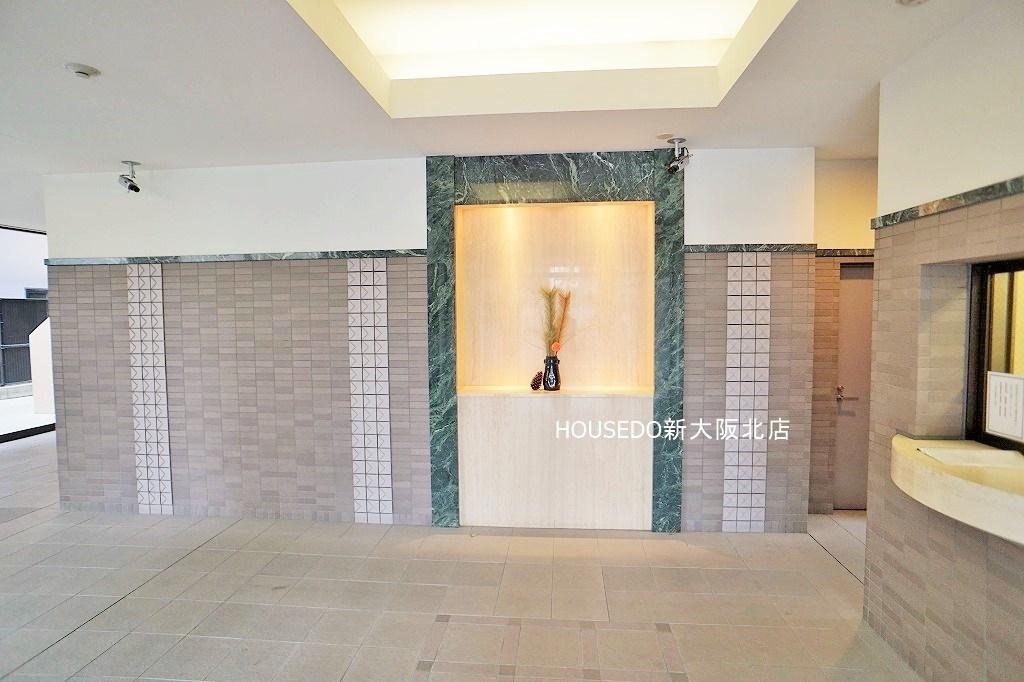 【外観写真】 平成築の新しいマンションです♪ 共用部もキレイに管理されています♪ 淀川区に強い!地域密着型不動産の『ハウスドゥ新大阪北店』にお任せください♪