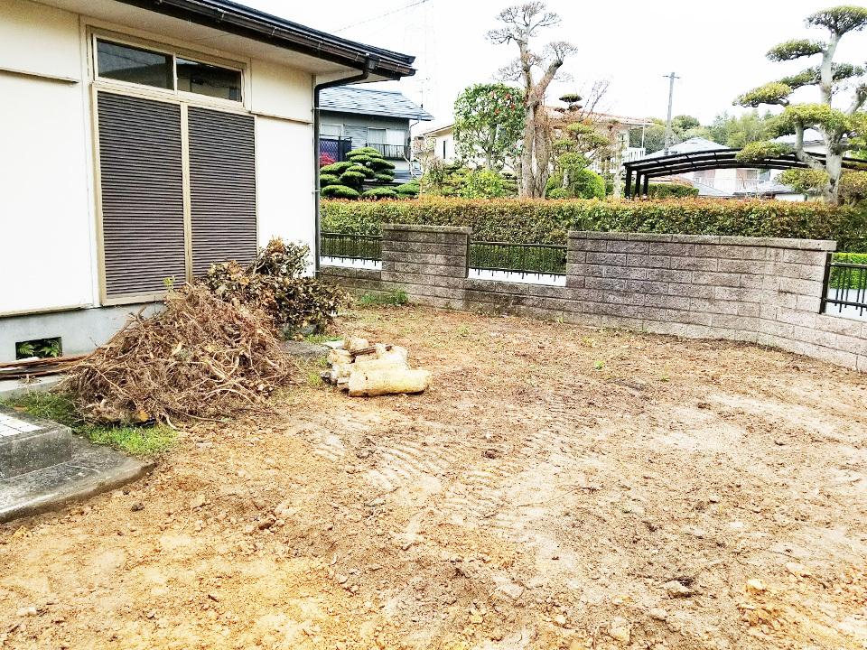 広縁からのお庭スペースも広々あります。◆2018/7リフォーム完工予定・現在リフォーム中(2018/4撮影)◆人気の角地3方道路♪菅生中学校まで徒歩約10分♪