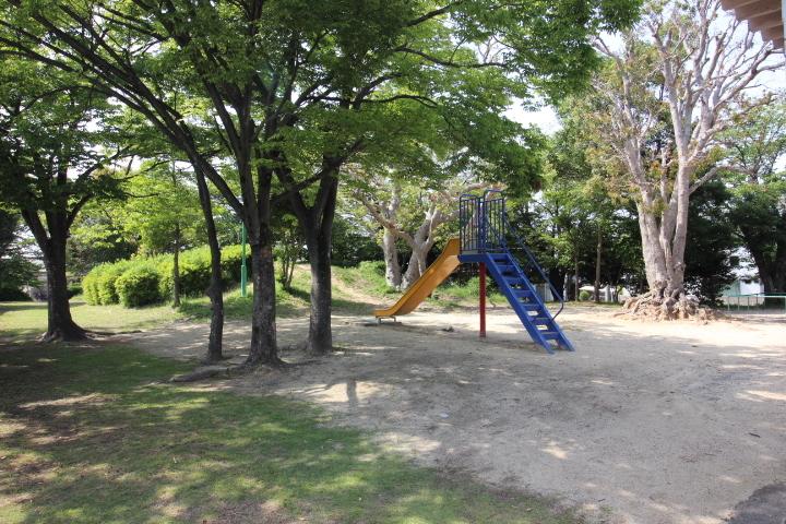 旭桃台1号公園まですぐ! お子様とのお散歩にいかがでしょうか。