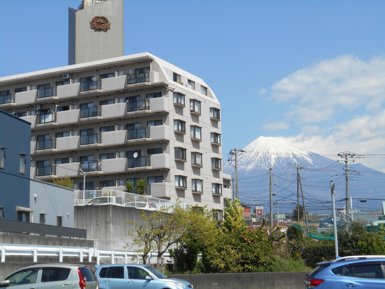 富士市伝法の、 売中古マンションです。 富士山が、見えます。