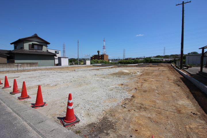 工事進行中です。随時 写真など更新していきますのでお楽しみに。