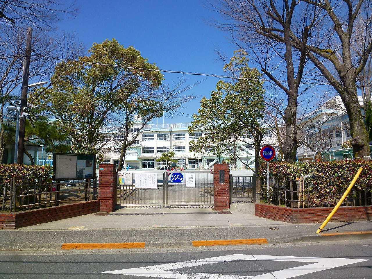 【小学校】北小岩7丁目の区立上小岩小学校
