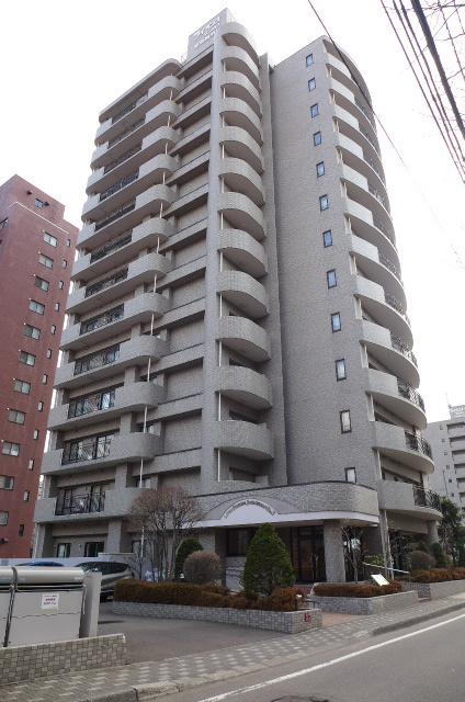 【外観写真】 ライオンズマンション植物園第3 札幌市中央区北三条西13丁目の中古マンションです。