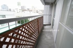バルコニーに水栓ございます。  淀川区に特化した地域密着型不動産 『ハウスドゥ!新大阪北店』 地域密着だからこそわかる、伝えられる情報があります!