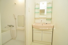 平成23年洗面化粧台新調しています♪  地域密着型不動産  淀川区に強い『ハウスドゥ!新大阪北店』におまかせ下さい! お客様にお会いできること、スタッフ一同、心よりお待ちしております♪