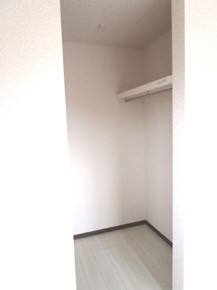 6帖の洋室にはウォークインクローゼットがついています。