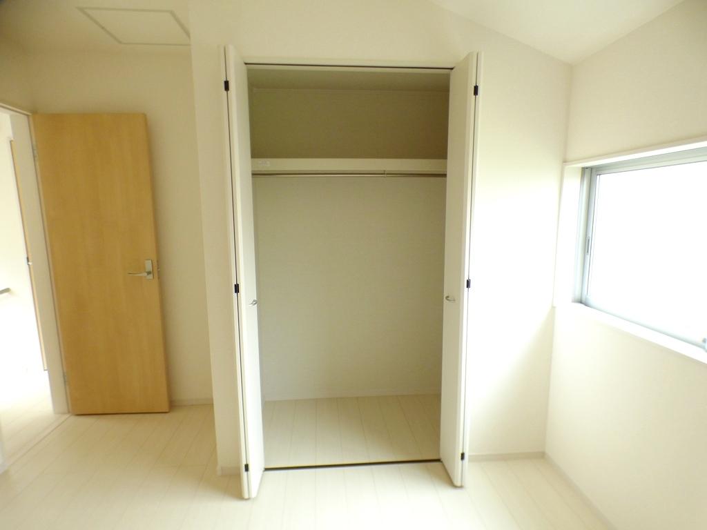 ◎6帖の洋室:2号棟(5/12撮影) 全居室収納付!たっぷりの収納スペースで快適に暮らせそうです!
