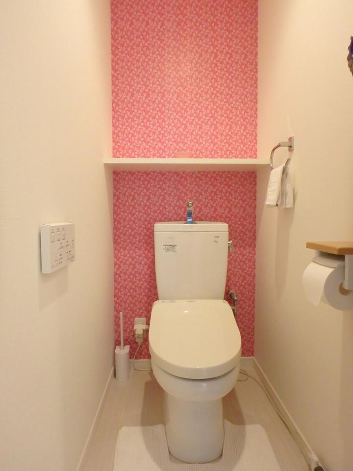 トイレの壁紙も可愛らしくて◎♪